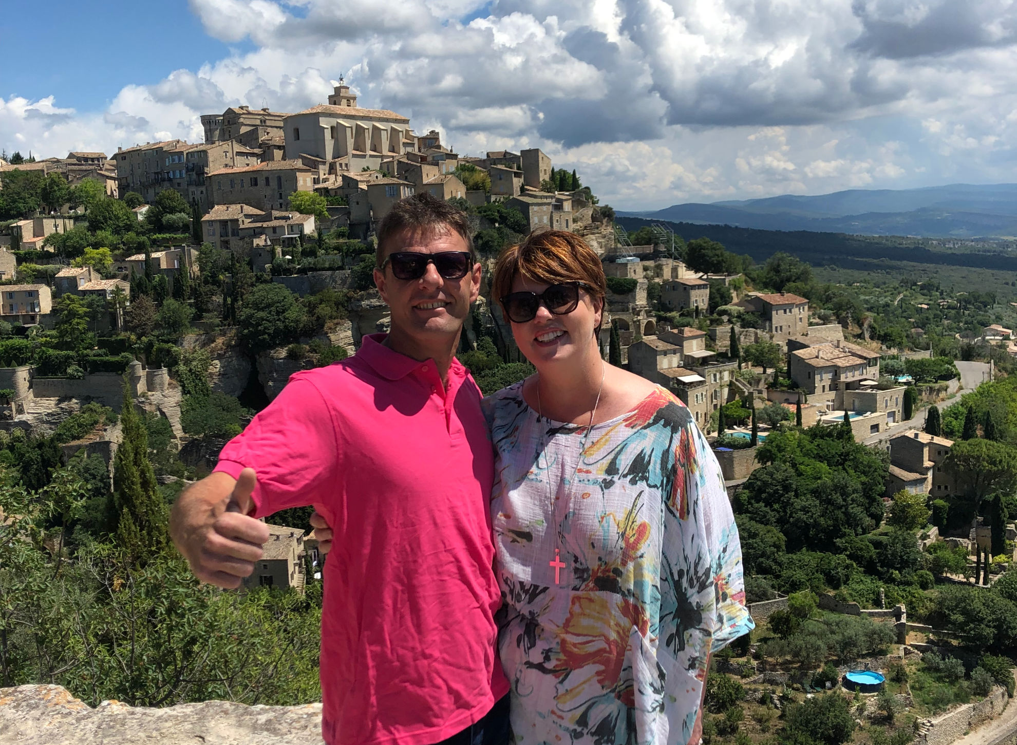 Alex & Denise at the famous Gordes viewpoint